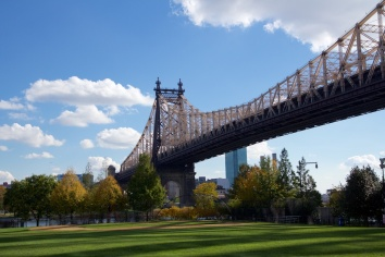 Queensboro Bridge menuju Long Island
